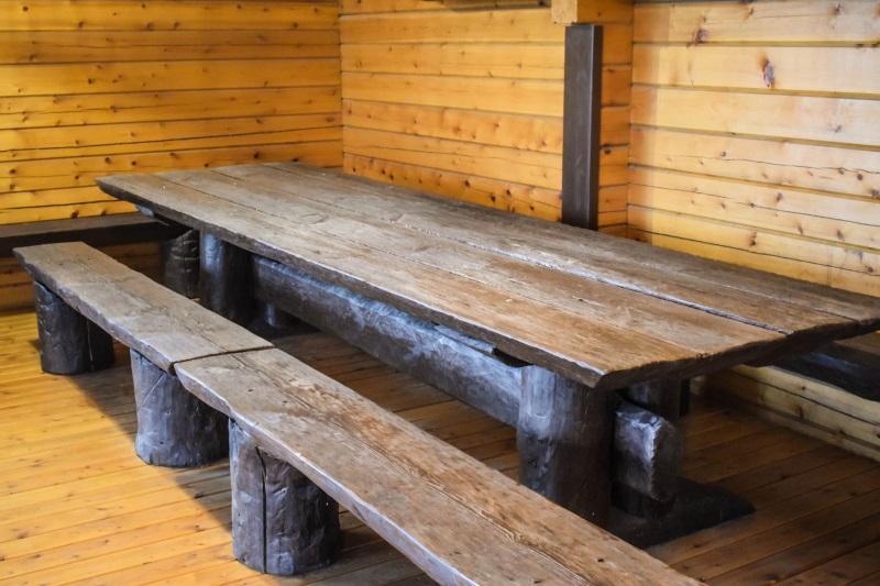 Стол для бани в Украине